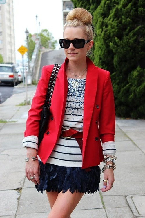 Para acalmar plumas e brilhos: blazer!Atlantic Pacific, Fashion, Red Blazers, Style, Red White Blue, Outfit, Stripes Shirts, Red Jackets, Feathers Skirts