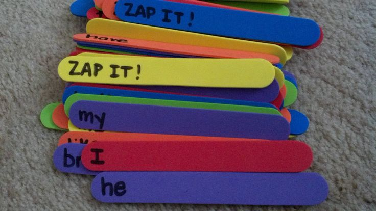 Zap It...a game I learned in grad school. Put high frequency words on sticks (these are foam sticks) and write zap it on a few sticks. The kids pull sticks from a container and read the words. If someone gets Zap It, all of the sticks go back in the bin. Great word work #daily5