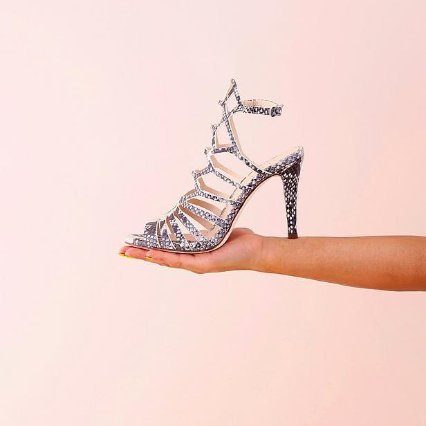 Zomerse schoenen #Unisa #slangenprint #open #hakken