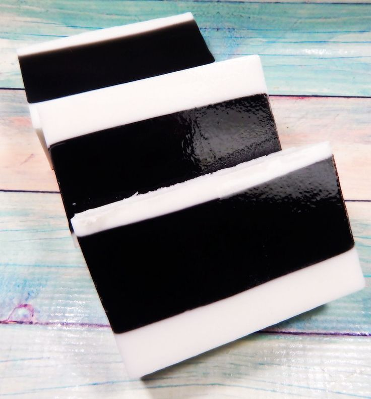 Tea Tree soap with activated charcoal is a great combo to use on your face, but don't be afraid to use it all over. ☆Tea Tree Oil - Can be a powerful oil that kills bacteria known to cause breakouts ☆