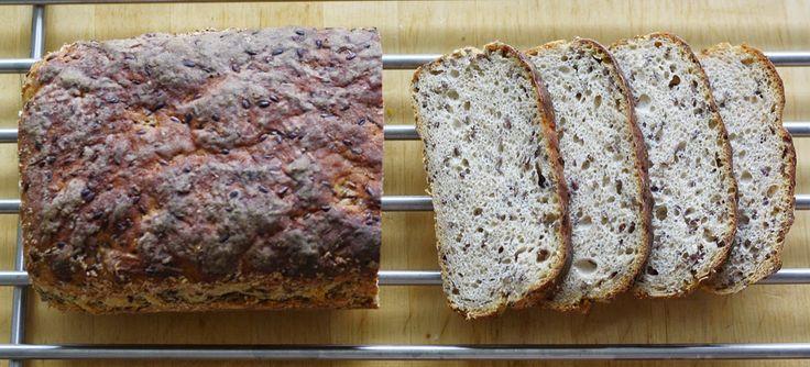 OkołoKuchennie: Chleb z siemieniem lnianym czyli pierwsze rąde-wu ...