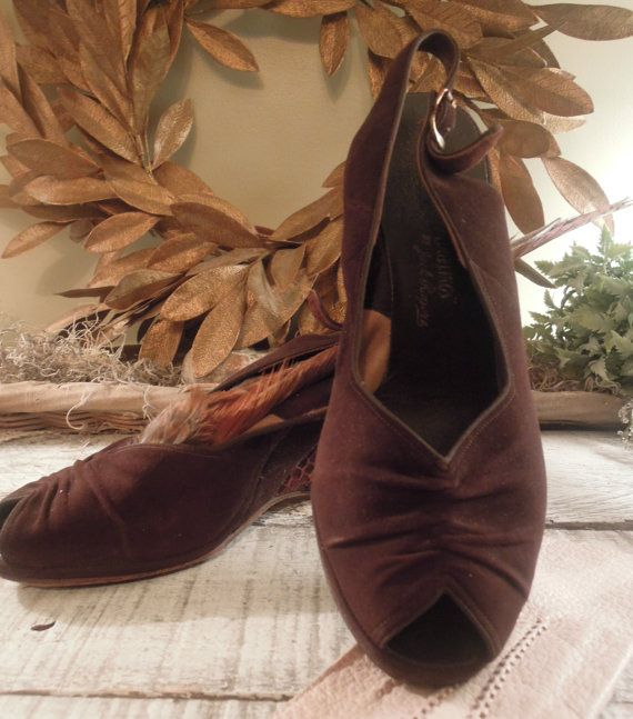 Vintage Brown Suede chaussures / chaussures par AloofNewfMillinery