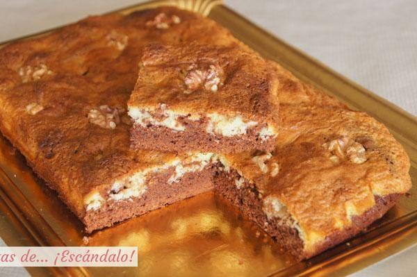 Como hacer brownie de chocolate negro y blanco con nueces