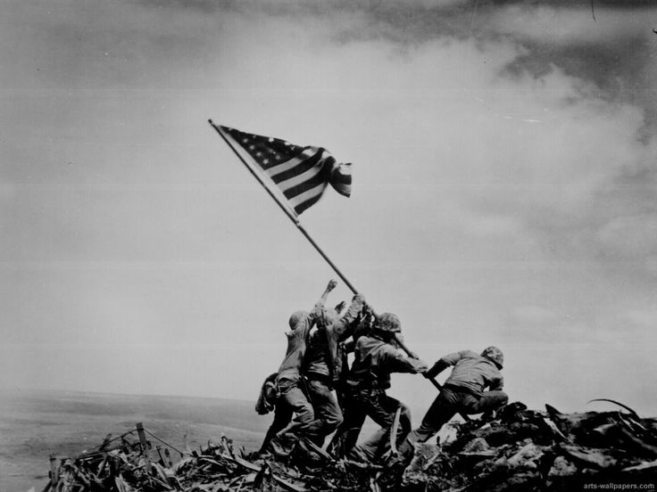 Izando la bandera en iwo jima 1945