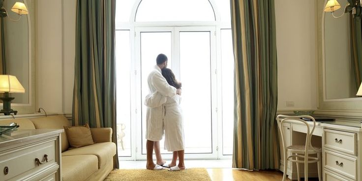 15+ Best Valentine's Day Hotel Packages - Where to Stay for Valentine's Day 2018