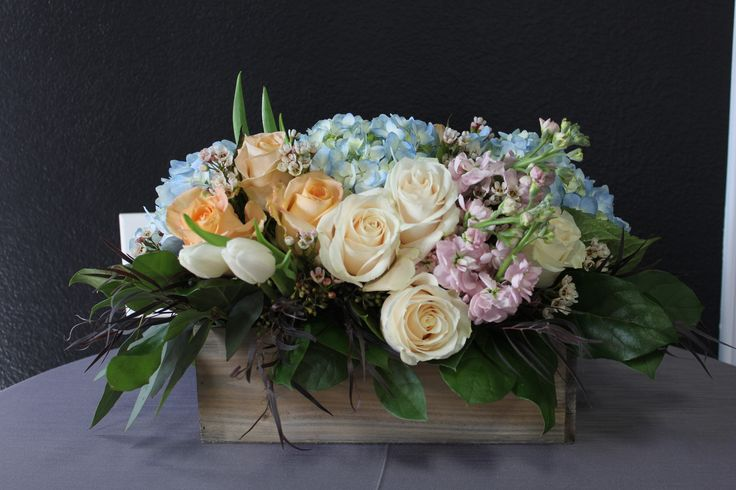 Flowers floral arrangement tulips roses hydrangeas for Pink and blue flower arrangements