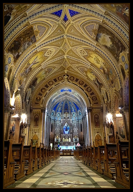 Basílica de Santo Antônio do Embaré em Santos -SP - Brasil   by Berenice Kauffmann Abud, via Flickr: