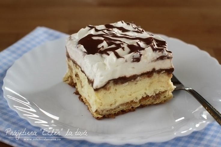 """Prăjitura """"Ecler"""" la tavă, în afara faptului că e camprea delicioasă, mai are o mare calitate, aceea de a oferi posibilitatea să te bucuri de gustul de eclerfără să..."""