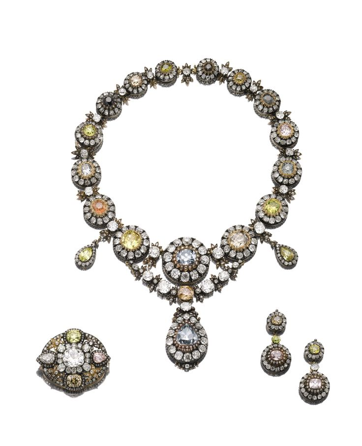 Magnificent diamond 'parure' contains jewels believed to have formed part of a gift presented by Empress Catherine I, wife of Peter the Great of Russia to Ottoman Sultan Ahmed III (1673-1736)