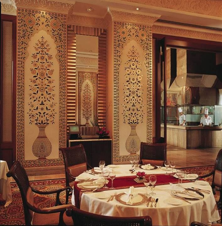 Theleela: U201c Jamavar  The Fine Dining Indian Restaurant At The Leela Palace  Bangalore, Is Adorned With Jamavar Wall Paintings Specially Crafted With  Pure ...