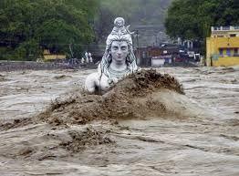 El monzón es un viento estacional que se produce por el desplazamiento del cinturón ecuatorial. En verano los vientos soplan de sur a norte, cargados de lluvias. En invierno, son vientos del interior que vienen secos y fríos. Especialmente en el océano Índico y el sur de Asia. El monzón del suroeste que arranca de la costa de Kerala, en la India, comienza generalmente en la primera quincena de junio.