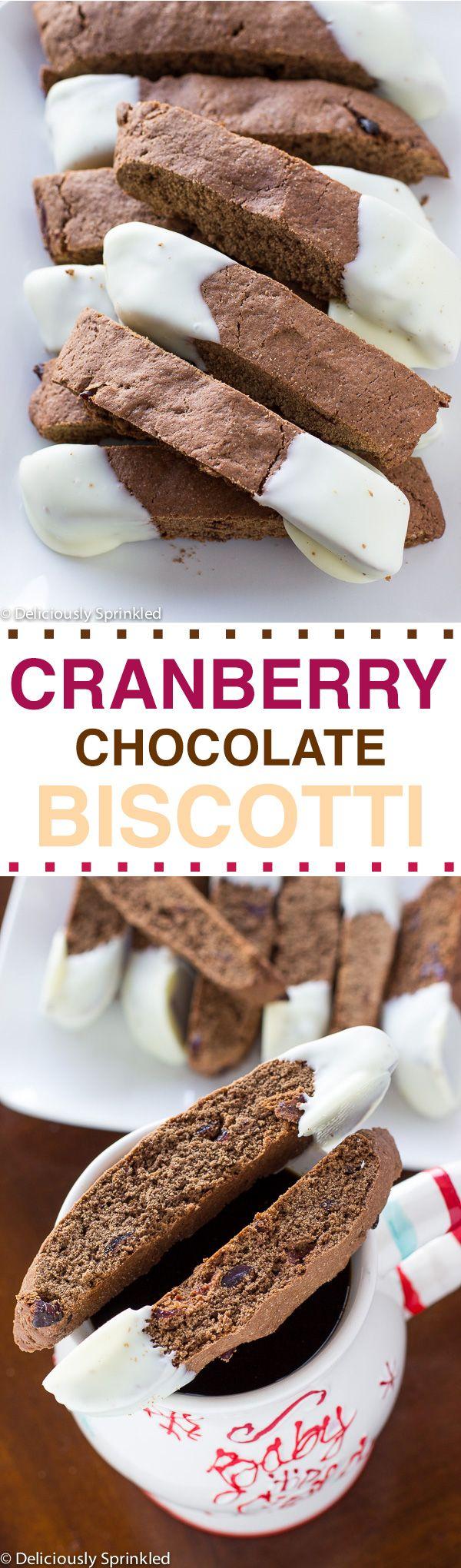 Deliciosas rodajas de biscotti de chocolate con crema, ideales para comer con una buena taza de chocolate.