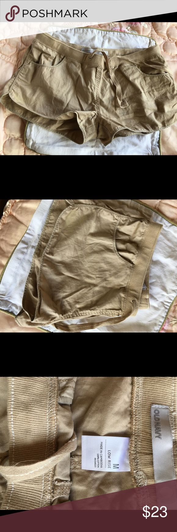 Old Navy Low Rise Woman Shorts Size 12 Old Navy Female Low Rise  Khaki Shorts. This is brand New without tags, never worn. No damages and no missing parts. Thanks for visiting. Old Navy Shorts