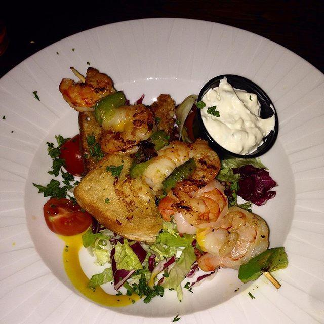Our Juicy scampi /grilled king prawn skewer #easter #saturday #irishpub #tasty #amazing #foodie #food #foodporn #salad  #restaurant #pub #bar #hungry #mouthwatering #stockholm #sweden #påsk #sverige