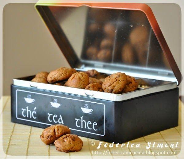 Buongiorno! Dopo la sistemazione delle vecchie ricette per torte, pubblicate qui ho proseguito a rifare i biscotti :P Ce nè per tu...
