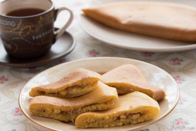 Resepi apam balik ataupun terkenal sebagai Malaysian pancake, memang kebiasaan dijual di pasar malam atau di gerai-gerai makanan. Terdapat 2 jenis apam balik iaitu yang tebal dan gebu, dan satu lagi jenis yang nipis dan rangup. Resepi ini merujuk kepada apam balik yang tebal dan gebu.