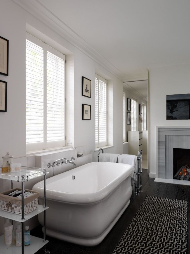 Leonora Bamford's stunning bathroom as seen on Wear & Where.