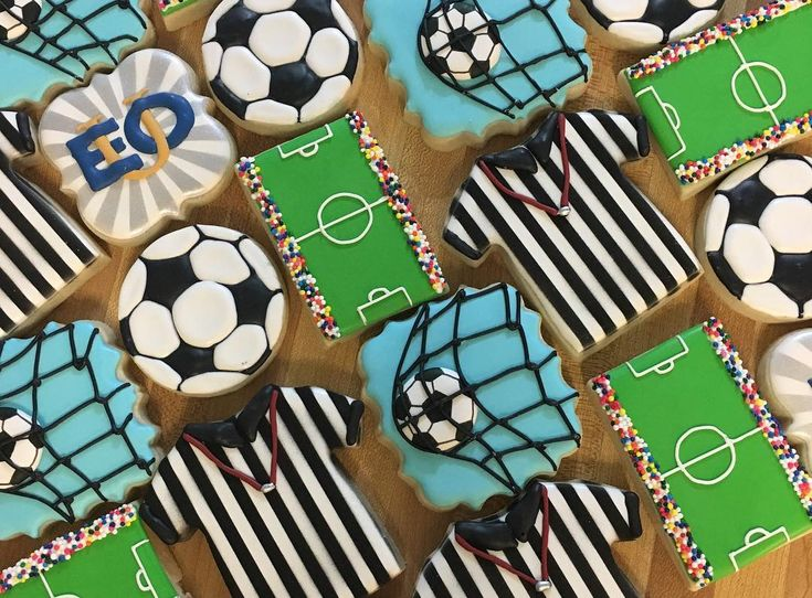 Soccer cookies for the coach at EOU. My cookies are going places  . . . . . #soccercookies #sugarcookies with #royalicing #decoratedcookies #cookieart #cookiesofinstagram #tailorbaked
