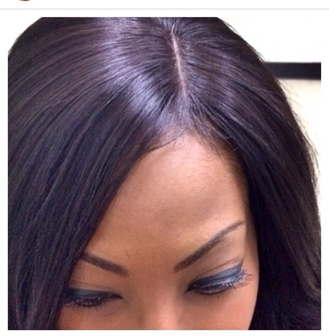 Up close and personal lace closure weave.