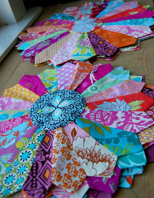 Simply beautiful...part of The Center of Attention quilt template in the Handmade Beginnings book by Anna Maria Horner
