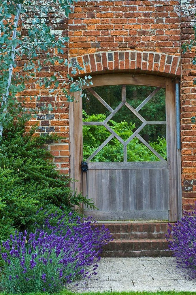 DESIGN FOR FRONT DOOR STILES    Marks Hall Arboretum & Gardens, Coggeshall, Essex via Early American Gardens