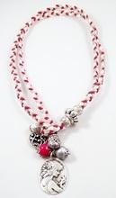 Bixut - Collar Coraline rojo. Realizado en porcelana, ante, lazo y piezas de metal de fantasía.
