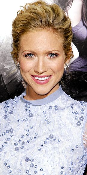 Google Image Result for http://img2.timeinc.net/people/i/2012/redcarpet/360/121008/brittany-snow-1-290.jpg
