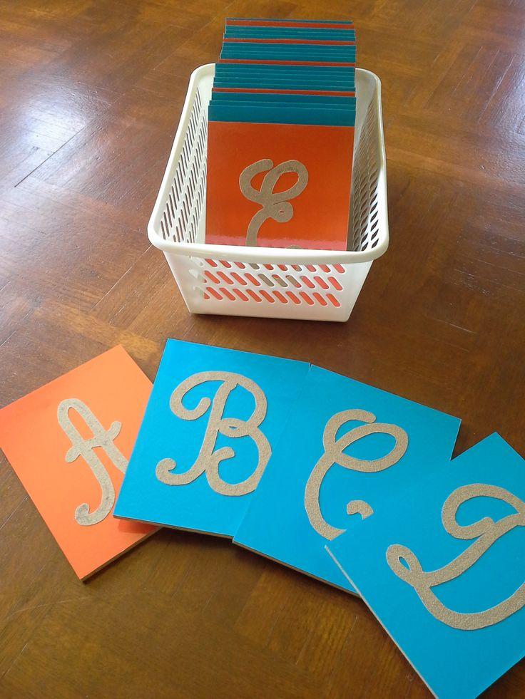 DIY: Lettres majuscules cursives ...rugueuses !  A faire soi-même.
