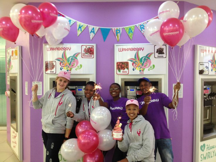 Smiles, sparklers and swirls from our Wakaberry Mimosa #WakaTurns3