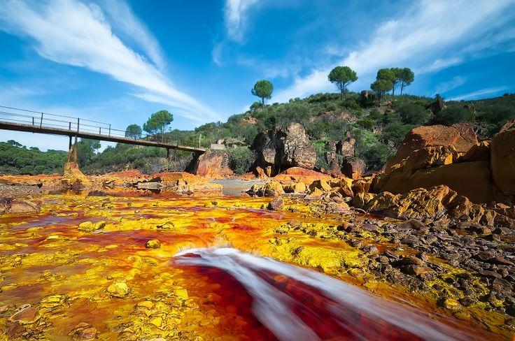La belleza salvaje del Rio Tinto (Huelva, Spain).