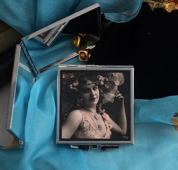 Vaudeville Mirrored Compact with Velvet Pouch by karenarts on Etsy