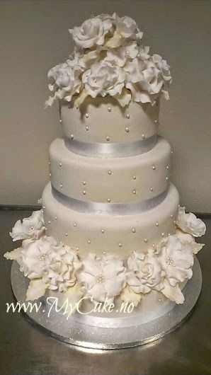 wedding cake 4 layers www.mycake.no https://www.facebook.com/pages/Mycake/518427724909847