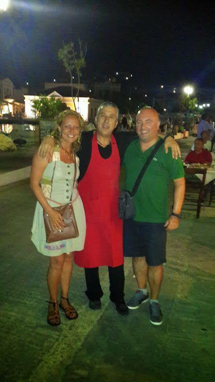Symi'nin en meşhur balık restoranının sahibi Manos ile...