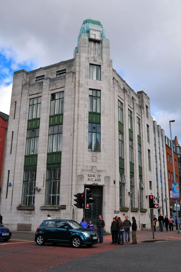 The gorgeous Art Deco Bank of Ireland Building in Belfast. Art Decobuilding in Belfast and the only one left
