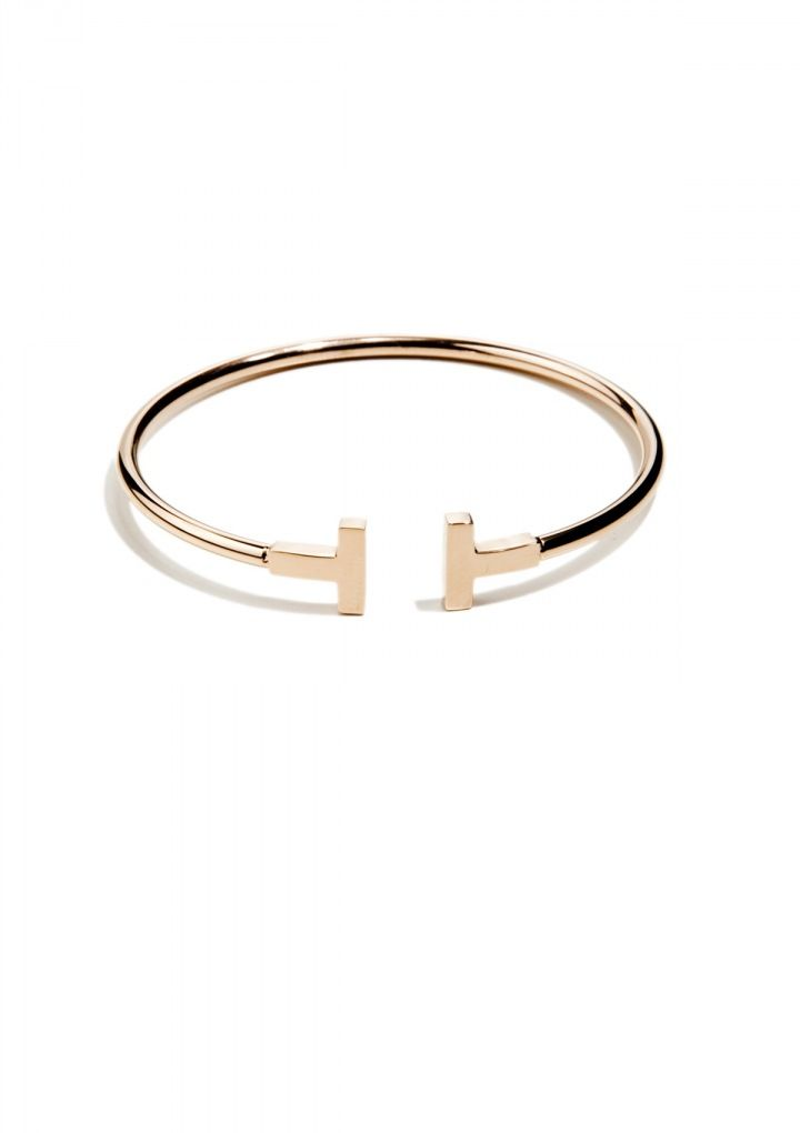 Armreif-Minimalist in Gold - Classic gold bangle with a double T detail on the ends. Pair this bangle with your favourite statement necklace or cocktail ring for a weekend look.