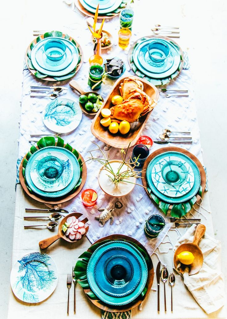 An Eclectic Summer Dinner Party from Pottery Barn & Justina Blakeney of The Jungalow!