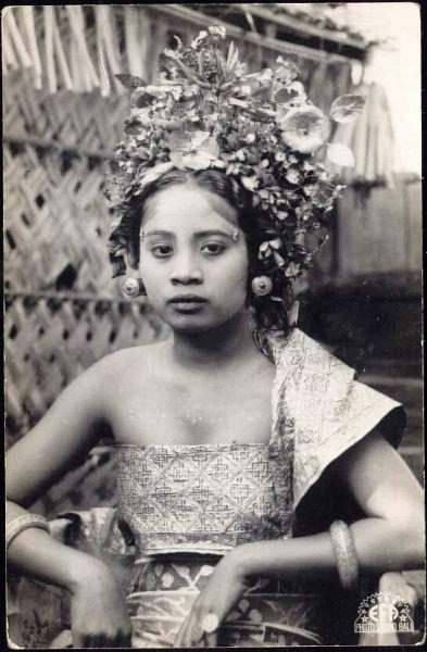 indonesia, BALI, Beautiful Young Dancing Girl, Jewelry (1930s)