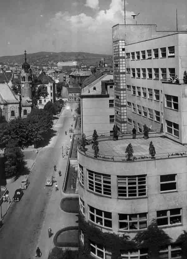 Bezručova ulica, nemocnica