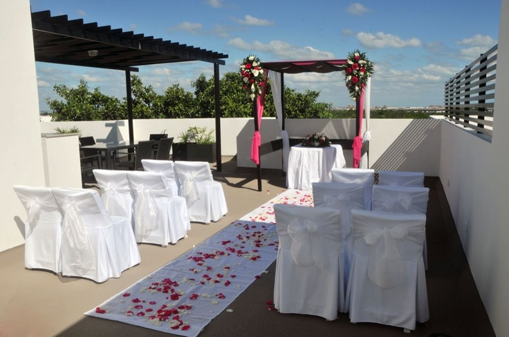 Azul Fives Hotel Located Very Near To Playa Del Carmen Is Known For Their Luxuriously Appointed