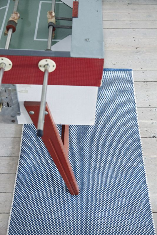 DOTS cotton rug in blue/white - available in sizes 55 x 120 cm, 70 x 200 cm, 140 x 200 cm, 200 x 300 cm. Also available in grey/white and light pink/white!