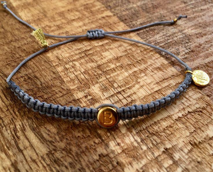 Namensarmbänder - Armband Macramé grau mit Wunschbuchstabe - ein Designerstück von saniLou bei DaWanda