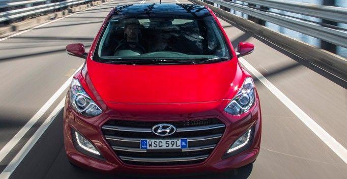 2015 Hyundai i30 SR Review http://behindthewheel.com.au/2015-hyundai-i30-sr-review/