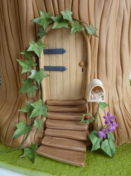 Amazing cake, perfect for mice or dollhouse parties - The Tree House- Gold award at Cake Internationl