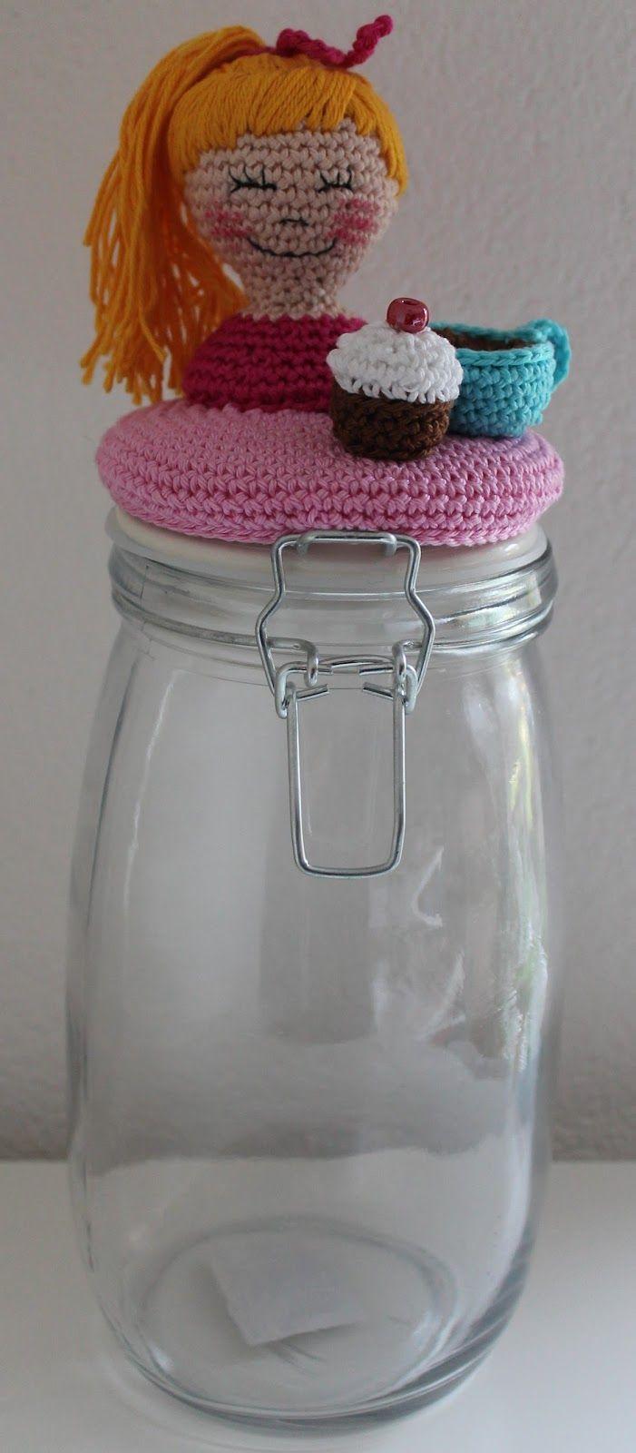 Kijk wat ik gevonden heb op Freubelweb.nl: gratis haakpatroon voor dit Dekselse Potje in Blond-stijl http://www.freubelweb.nl/freubel-zelf/zelf-maken-met-haakkatoen-deksels-potje-blond/