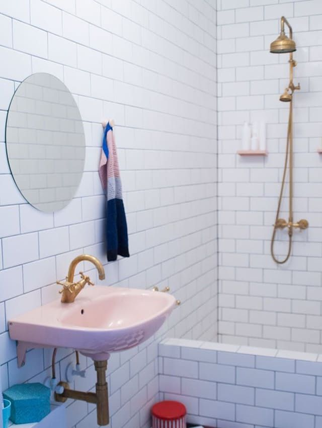In the 1940s and 50s, bathrooms with colorful plumbing fixtures — sinks, toilets, and tubs in shades of blue, green, yellow, and even pink — were all the rage. Then, mysteriously, the tide of fashion turned, and people have been ripping out those candy-colored fixtures ever since. But a few brave souls have preserved the pastel fixtures in their vintage bathrooms (or added vintage ones to new bathrooms), and, as it turns out, in the right setting, those funky vintage fixtures can actually…