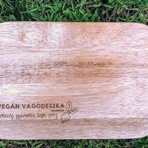 VeganWood fa vágódeszka: Vegán vágódeszka, zöldség, gyümölcs, tofu, gary