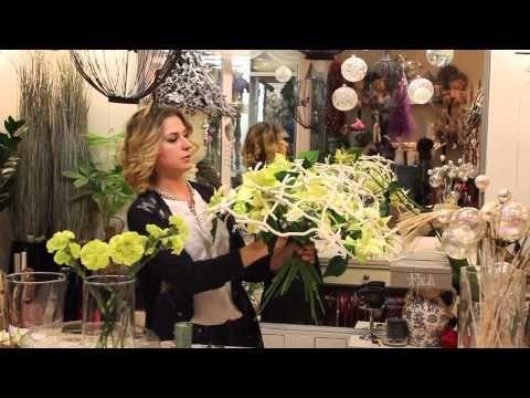 Мастер-класс флориста Виктория Орлова. Новогодний букет на каркасе из веточек Кува - YouTube
