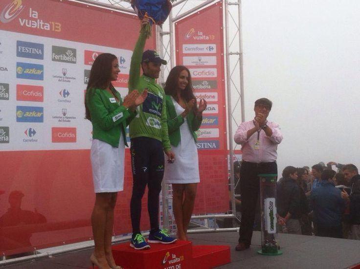 Con Alejandro Valverde en el podium del Angliru.