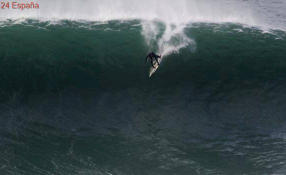 Dos vascos contra «la bestia de Mullaghmore», la ola gigante de Irlanda