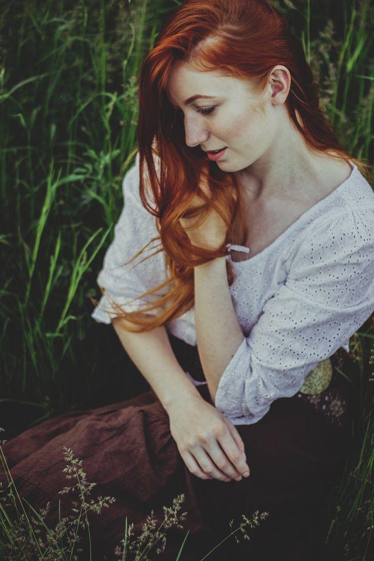 2017 | zádumčivá #portrait #photography #photoshoot #inexpertphoto #mood #moodphoto #moodphotography #model #photomodel #czechgirl #portrétnífotografie #ginger #zrzka #readhead #pihy #freckle #beautiful #mystery #secret